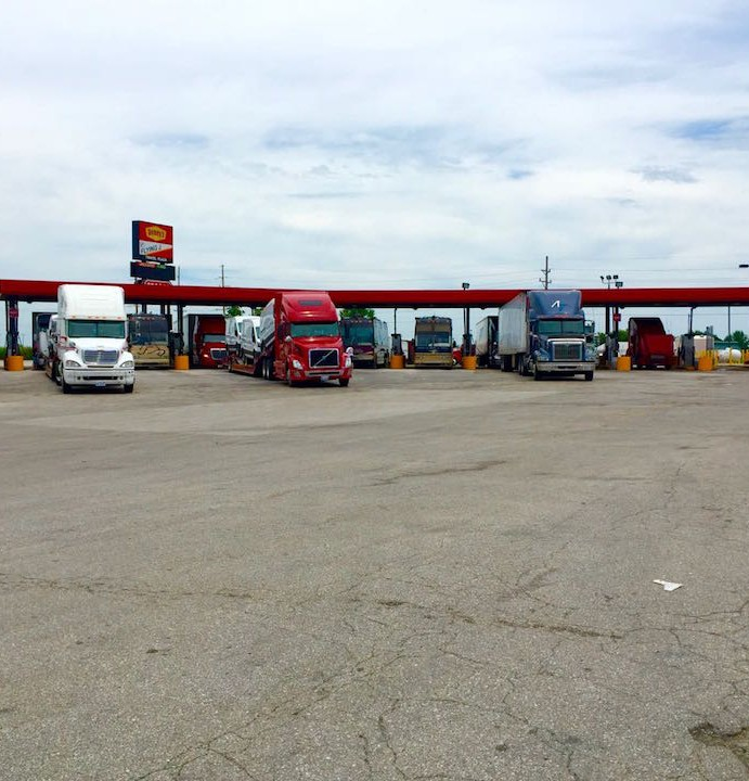 Flying J in Warrenton, MO Truck Stop Review