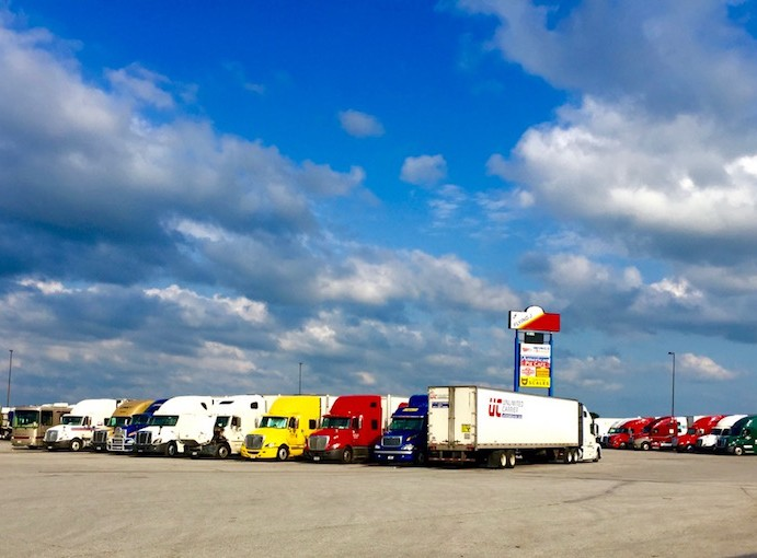 Wings America Flying J in Avoca, IA Truck Stop Review